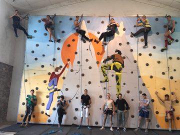 mur d'escalade et activites sportives à l'institut saint joseph